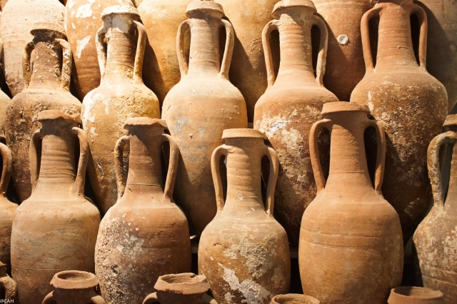 Lipari amphorae in museum (1 of 1)