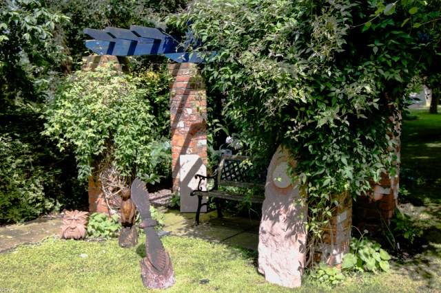 Sculpture in the garden 24 Jun 2016-1