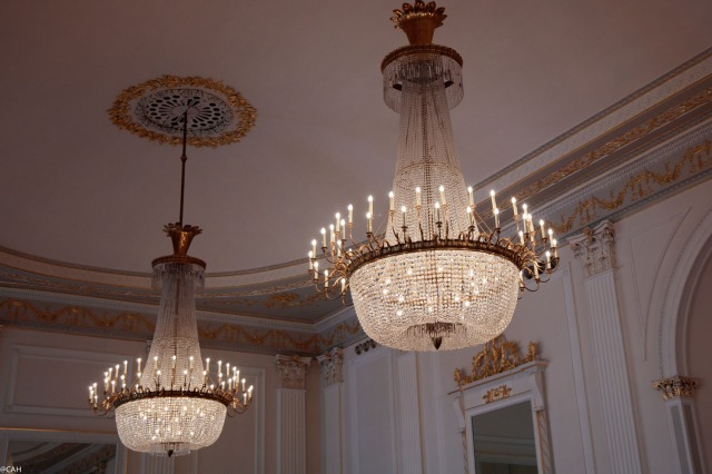 assembly-rooms-chandeliers-in-ballroom-30-nov-2016-1