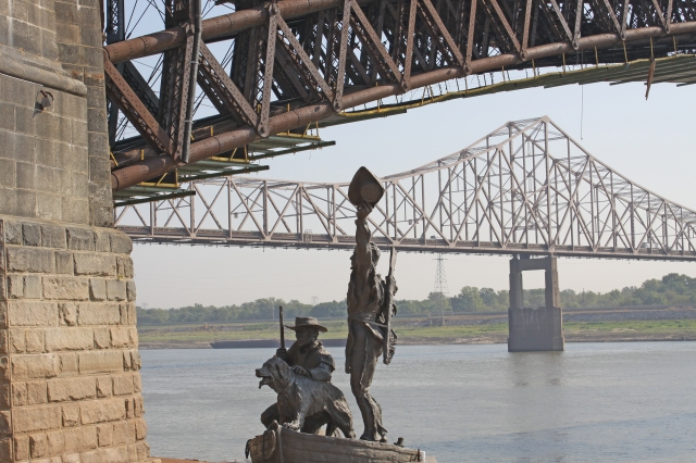 lewis-clark-monument-under-eades-bridge-st-louis